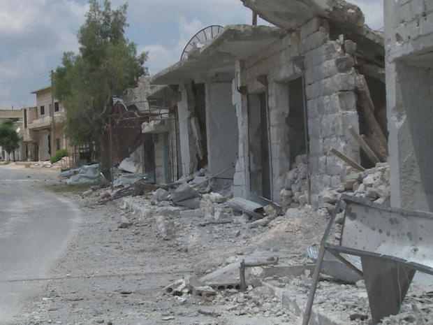 syria-bombing-town-of-maarat-hurmah-had-been-hit-by-regime-helicopters-the-night-before.jpg