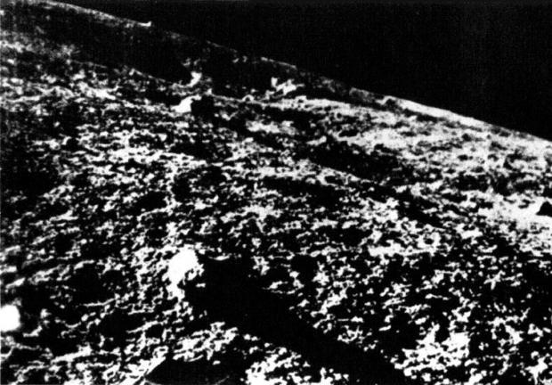29-luna9close-big-soviet-1966.jpg