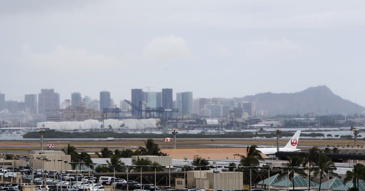 """Never been more scared in my life"": Chaos at Honolulu airport Terminal 2 after false report of shooter"