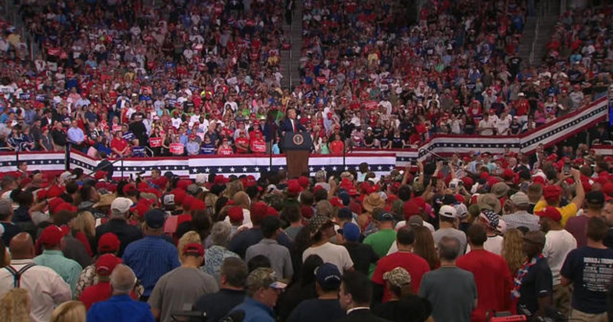 """Trump's rally draws large crowd but lacks """"intense pro-Trump enthusiasm"""" of past events"""