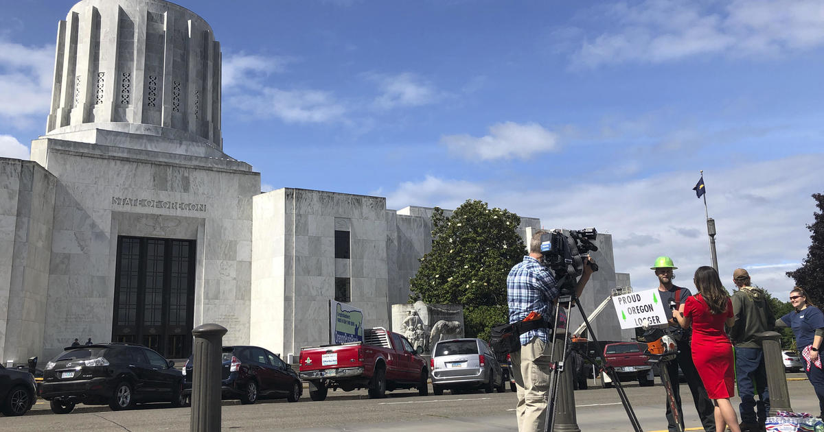 Oregon senate walkout: Republicans in hiding to avoid voting on climate bill