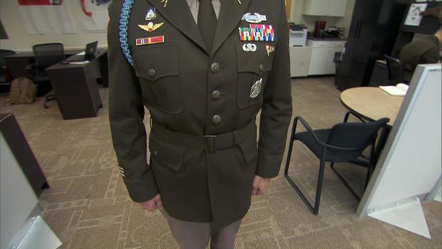 0703-en-armyuniforms-martin3.jpg