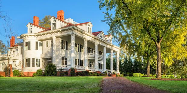 "Gone with the Wind house: The iconic mansion that inspired ""Gone with the Wind"" is for sale"