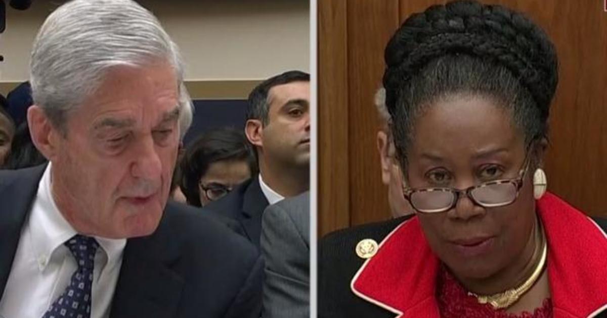 Robert Mueller Latest News, Photos and Videos