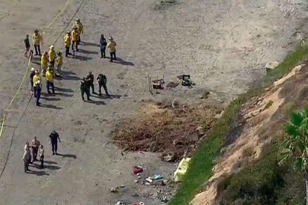 1 killed as cliff collapses on popular California beach