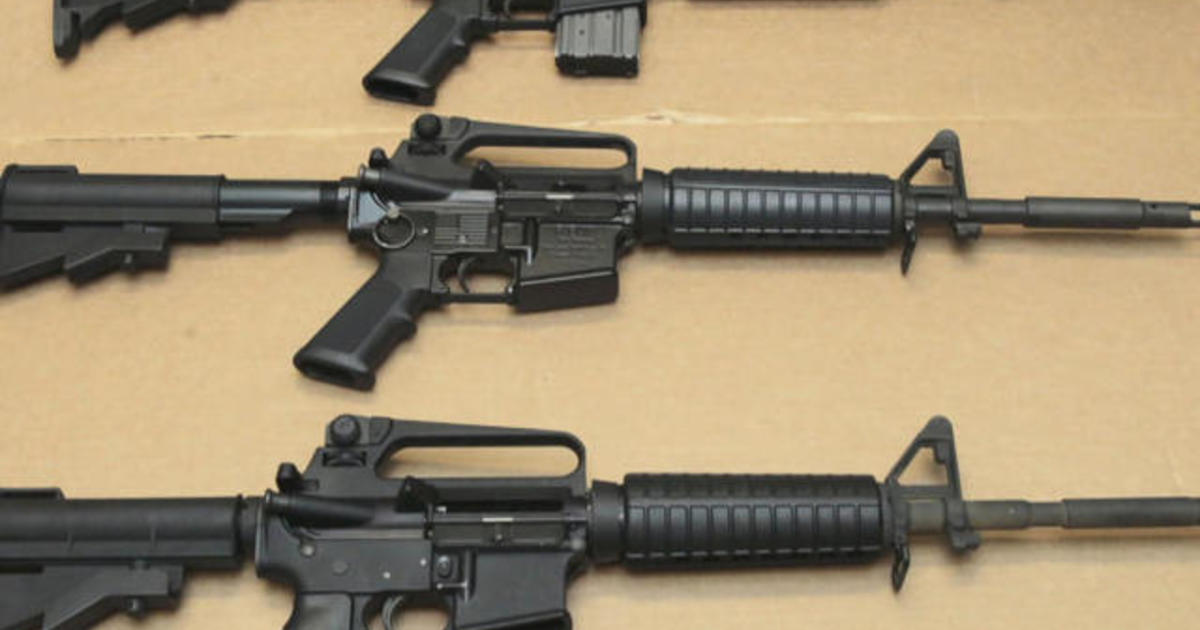 Los Angeles sheriff calls for ban on assault weapons
