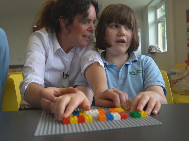 leonie-masterson-teaches-using-lego-braille-bricks-promo.jpg