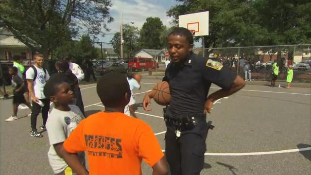 axelrod-syracuse-basketball-cops-ny-rem308-frame-59856.jpg