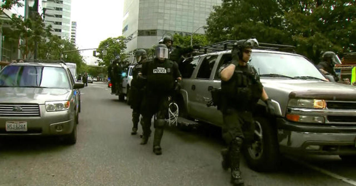 Portland rally met with police presence in anticipation of violence