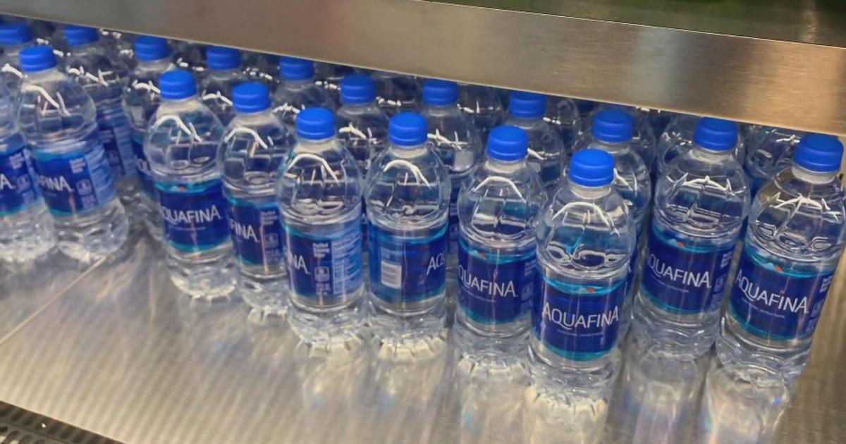 Sfo Plastic Water Bottle Ban Begins Today Cbs News