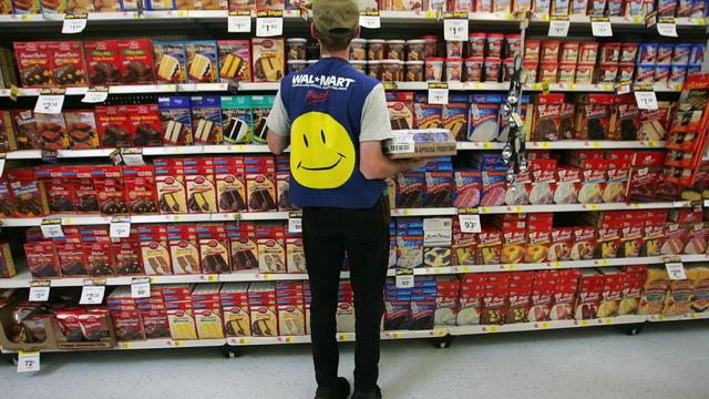 Wal-Mart Dominates U.S. Retail Economy