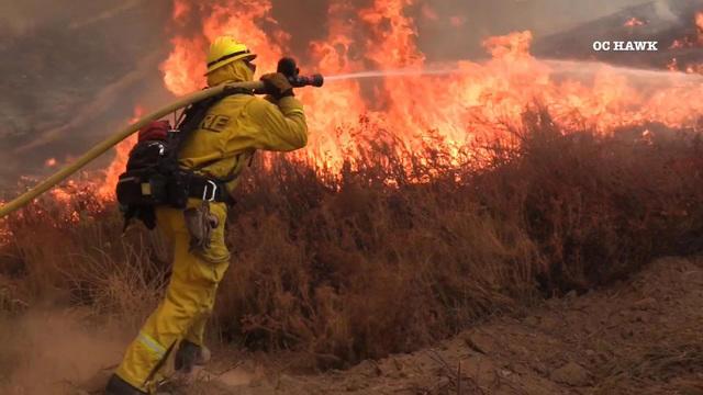 Tenaja fire rages through southern California: