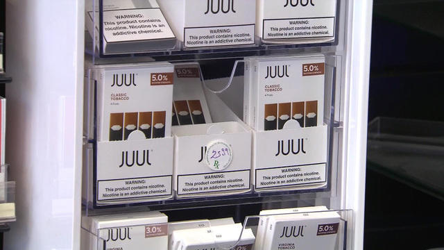 CDC urges halt to vaping as it probes possible links to deaths