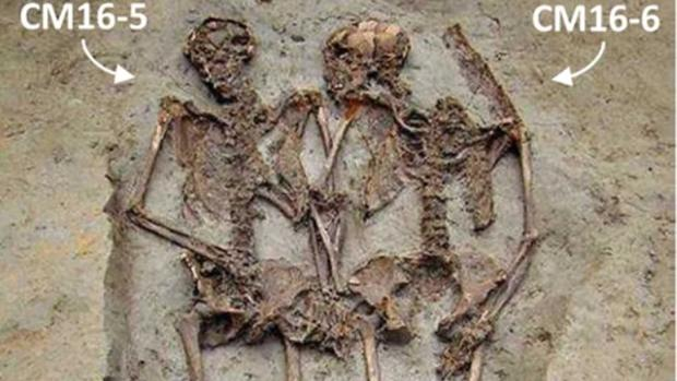 'Lovers of Modena' Skeletons Buried Holding Hands Were Males, New Analysis Confirms