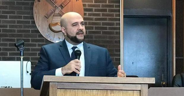 """""""Did you meet any terrorists?"""" New Jersey mayor says he was detained at airport for 3 hours, profiled for being Muslim"""