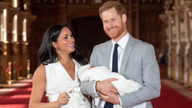 cbsn-fusion-the-royals-report-harry-meghan-archie-prepare-for-africa-trip-thumbnail-348705-640x360.jpg