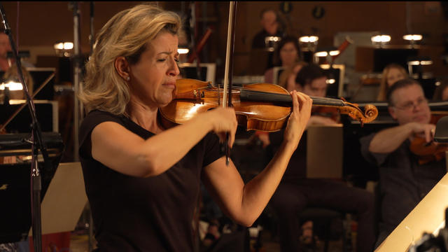 anne-sophie-mutter-recording-schindlers-list-1937663-640x360.jpg