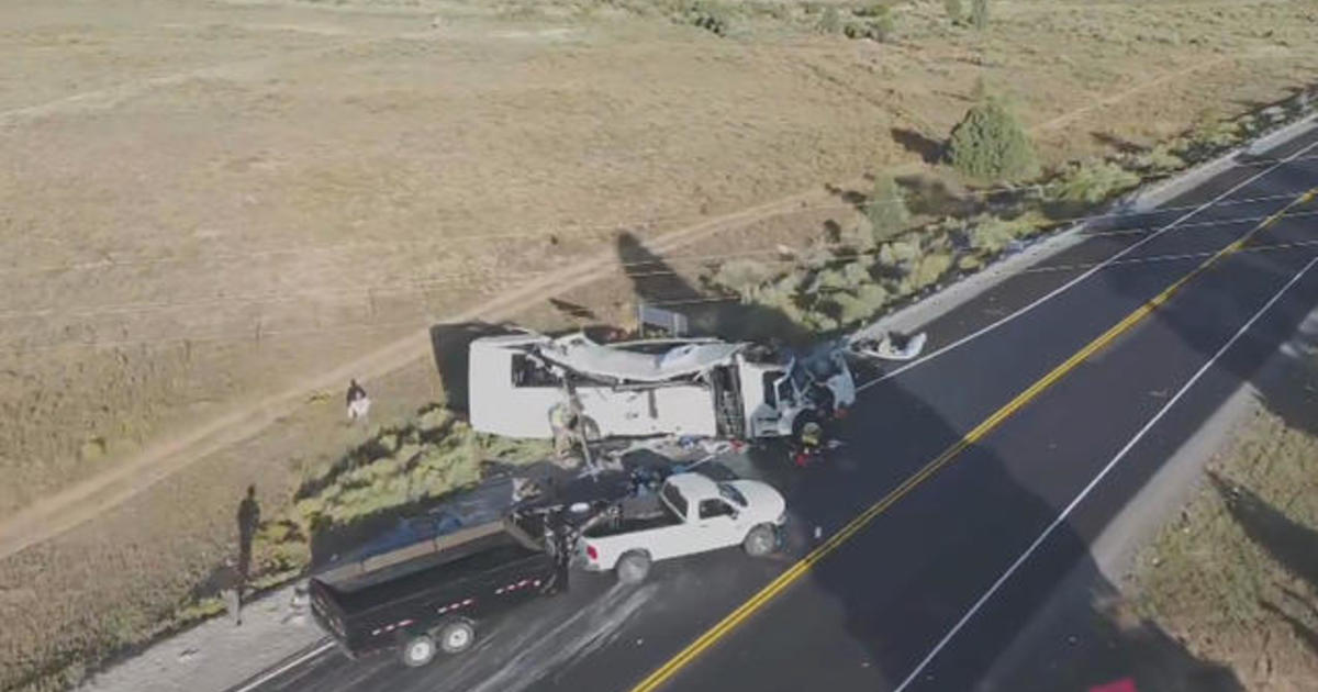4 killed in southern Utah bus crash