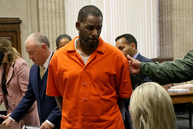 R. Kelly attacked by fellow inmate