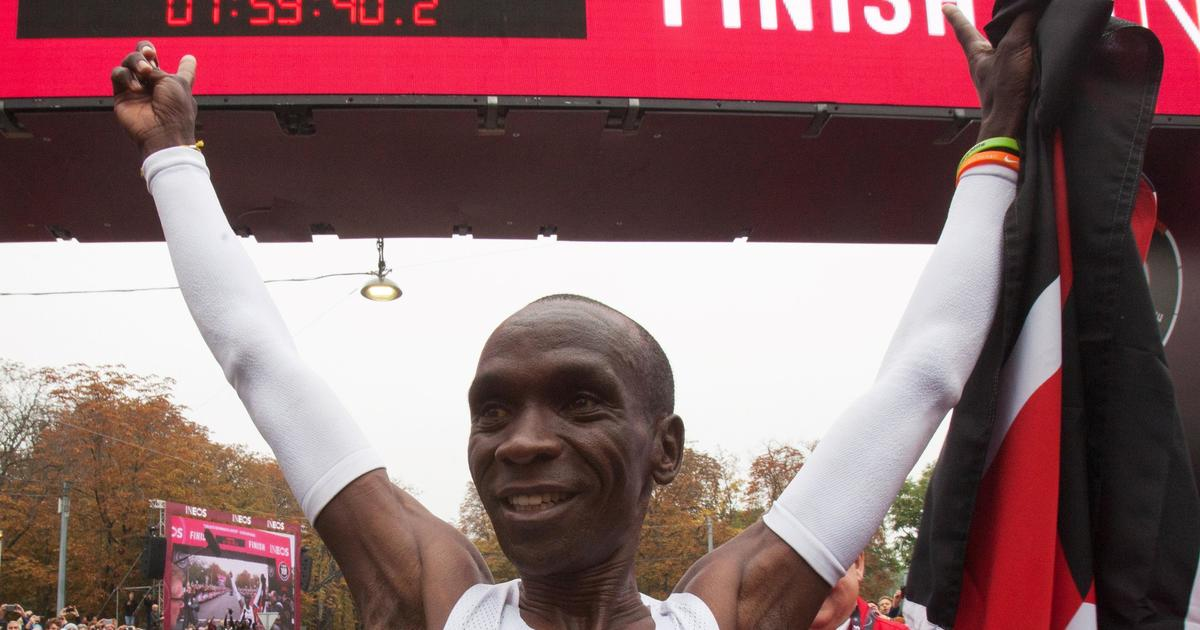 Eliud Kipchoge becomes 1st to run marathon in under two hours