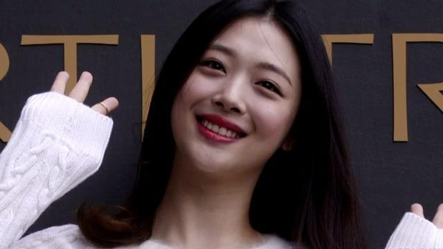 cbsn-fusion-k-pop-star-sulli-found-dead-in-south-korea-thumbnail-372380-640x360.jpg