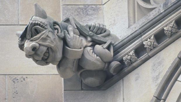 gargoyles-the-crooked-politician-620.jpg
