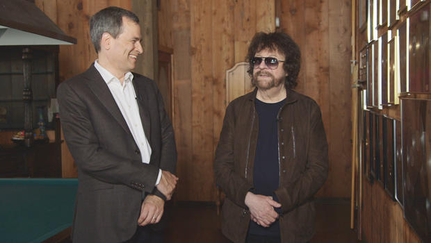 david-pogue-with-jeff-lynne-620.jpg