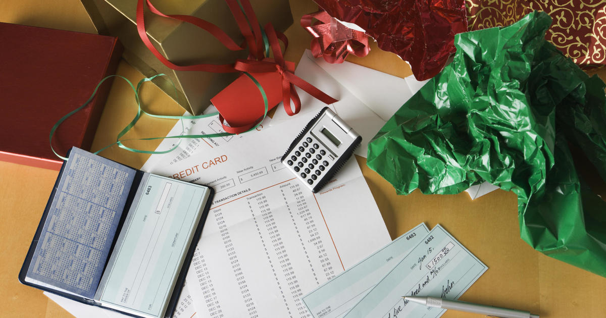 How to avoid piling up debt during the holidays
