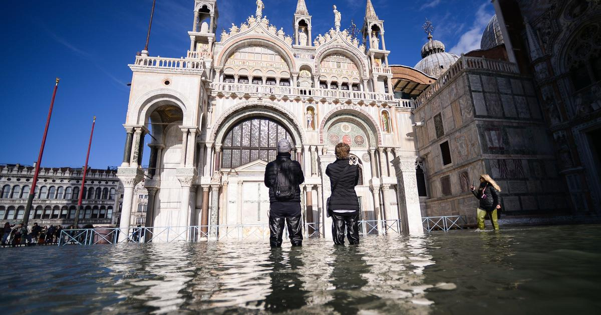 Venice flooding is the worst in 50 years, and the mayor blames climate change