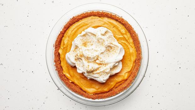 pumpkin-chiffon-pie-bon-appetit-620.jpg