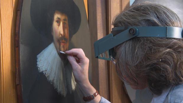 rhona-macbeth-cleans-a-1634-rembrandt-painting-620.jpg