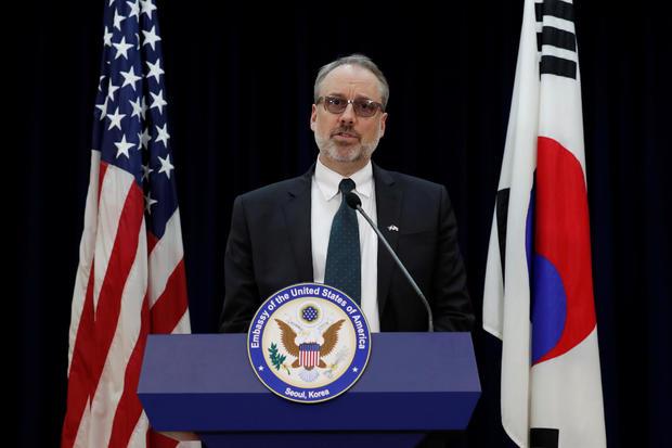 James DeHart speaks in Seoul