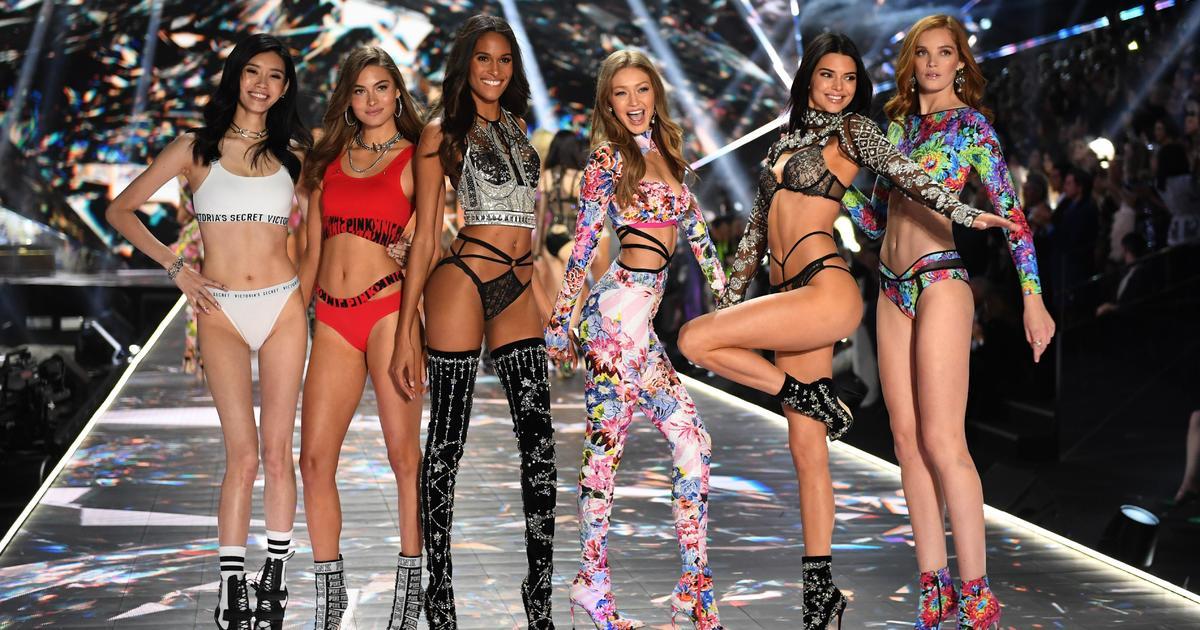 VictoriaS Secret Show 2021