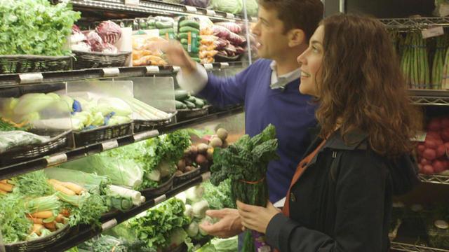dr-drew-ramsey-and-samantha-elkrief-shopping-for-brain-food-promo.jpg