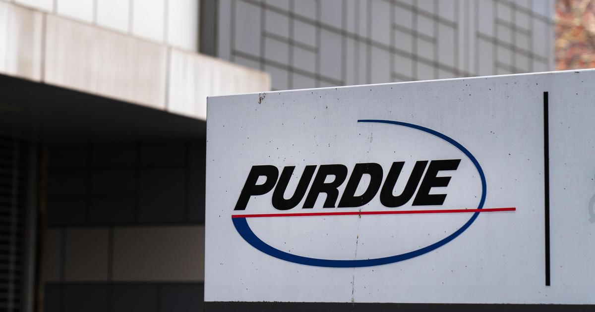 Bankruptcy judge weighs $1.3 million bonus for Purdue Pharma CEO