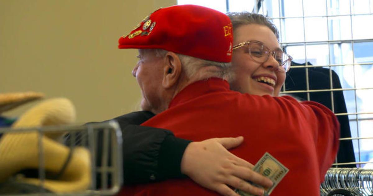 Secret Santa recruits Milwaukee bus drivers to give money to passengers