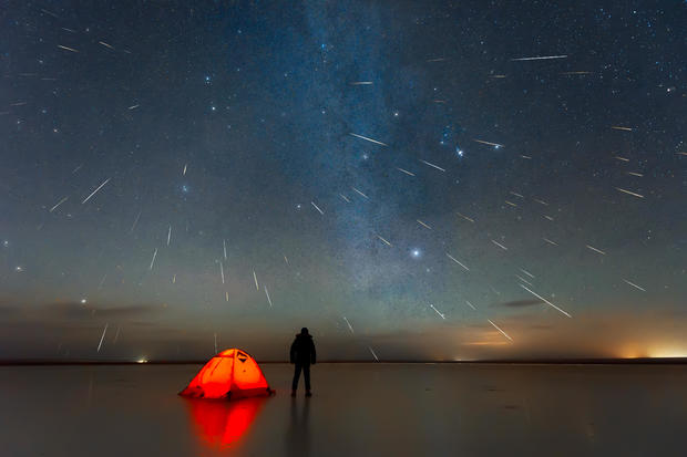 Gemini meteor shower 2018 over lake in Erenhot, Inner Mongolia, China