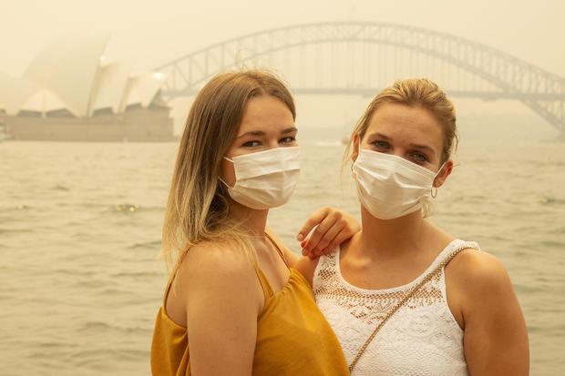 Smoke Haze Blankets Sydney As Bushfires Continue To Burn Across NSW
