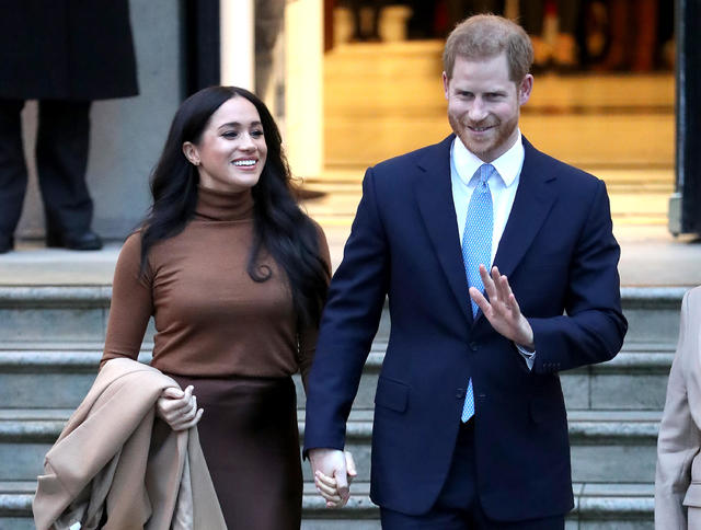 meghan markle s style from suits to the royal family cbs news suits to the royal family