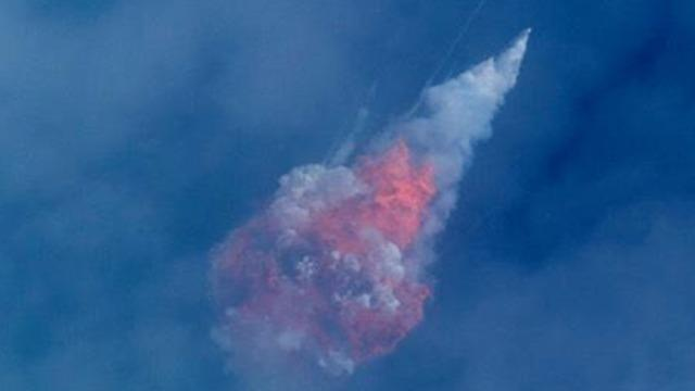 cbsn-fusion-spacex-launch-boosters-destroyed-emergency-escape-test-2020-01-19lll-thumbnail-437797-640x360.jpg