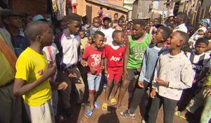 zaza-kanto-on-the-streets-of-antananarivo-madagascar-620.jpg