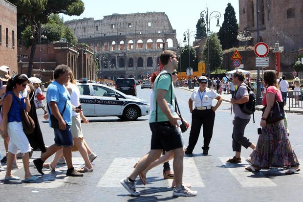 Rome To Ban Private Traffic In Via dei Fori Imperiali