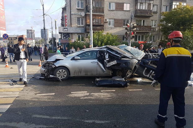Two people killed in five-vehicle crash in Yekaterinburg, Russia