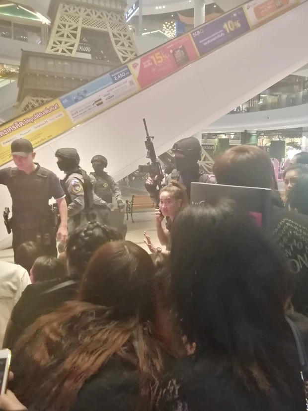People are evacuated from a shopping mall by members of security forces after a shooting rampage in the city of Nakhon Ratchasima, Thailand February 08, 2020. (Credit: Thai Crime Suppresion Bureau / Reuters)
