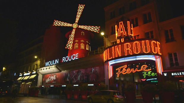 moulin-rouge-in-paris-620.jpg