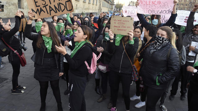 MEXICO-VIOLENCE-WOMEN-PROTEST