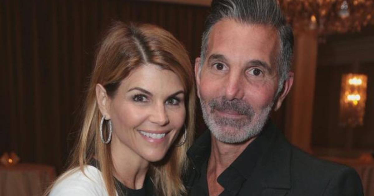 Lori Loughlin trial date set in college admissions scandal