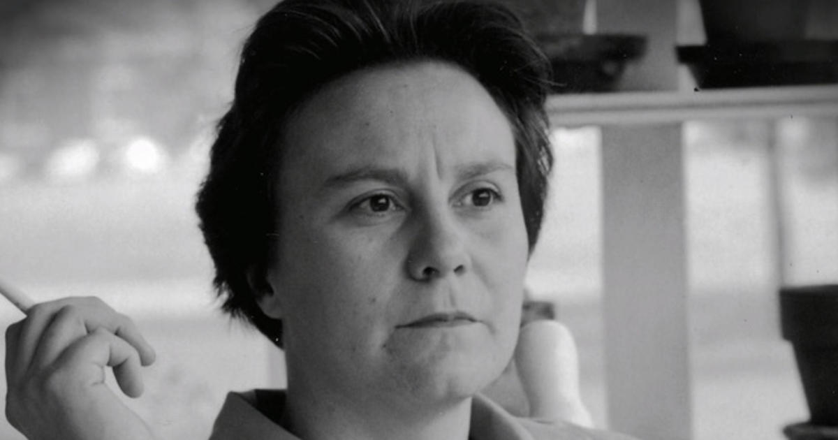 Literary giant Harper Lee dies at age 89
