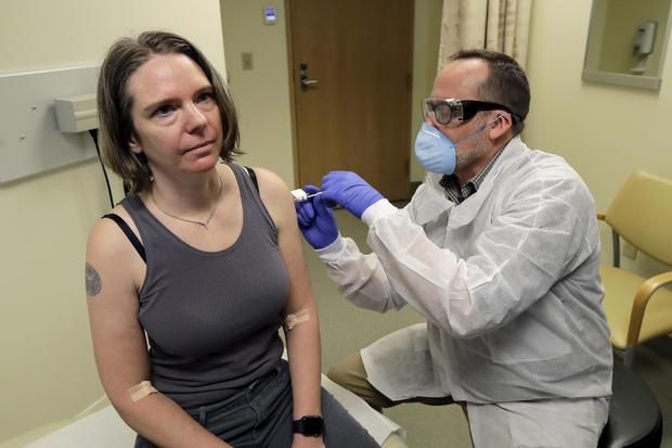 APTOPIX Virus Outbreak Vaccine