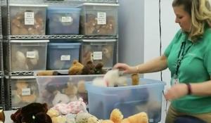 Volunteer at Dallas children's hospital continues service despite coronavirus risk